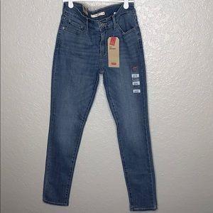 NWT Levi 711 Skinny Mid Rise jeans